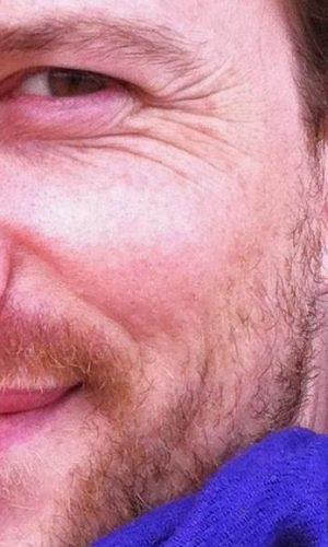 Poeta desde siempre, culturalmente inquieto, es Director de la FIDH, y miembro del PSOE, de la Asoc. Carmen Cerdeira, de THRibune for Human Rights, del Observatorio Euromediterráneo de Democracia y Espacio Público la URJC y de la Agrupación de Retórica y Elocuencia del Ateneo de Madrid, investigador y profesor invitado del EMUI (Euromediterranean University Institute), Fundador y Director del #TPM Tanger Photo Med (Festival de la Fotografía mediterránea de Tánger), activista social, director artístico, comisario de exposiciones, asesor y gestor cultural.