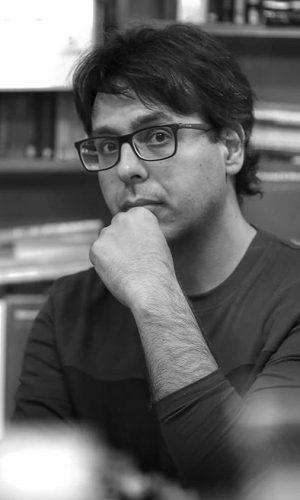 MOHAMED EL MORABET. Vive en Madrid desde 2002. Un solar abandonado es su primera novela, publicada por Editorial Sitara en octubre 2018.