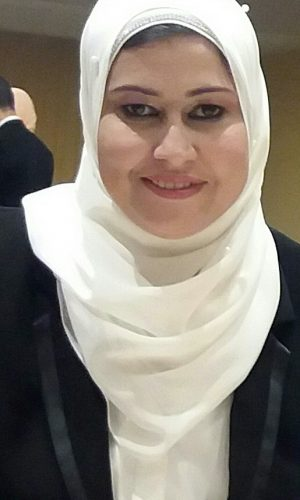 SAADEYA MOUSA ABD EL AZEEM (República Árabe de Egipto). Profesora en el Departamento de Filología Hispánica (Facultad de Al-Alsun, Universidad de Kafr El Sheikh, República Árabe de Egipto). Es Doctora e investigadora en la literatura hispanoamericana. Es miembro en La Junta Directiva de la Asociación de Hispanistas de Egipto.